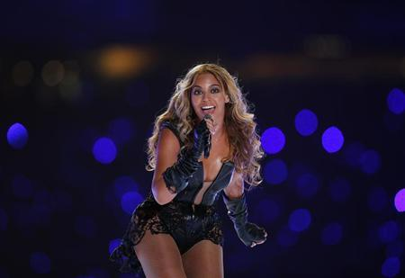Beyonce performs during the half-time show of the NFL Super Bowl XLVII football game in New Orleans, Louisiana, February 3, 2013. REUTERS/Jeff Haynes