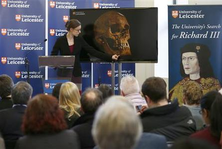 Project Osteologist Jo Appleby speaks during a news conference in Leicester, central England February 4, 2013. REUTERS/Darren Staples