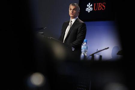 Swiss bank UBS CEO Sergio Ermotti addresses the annual news conference in Zurich February 5, 2013. REUTERS/Michael Buholzer (SWITZERLAND - Tags: BUSINESS)