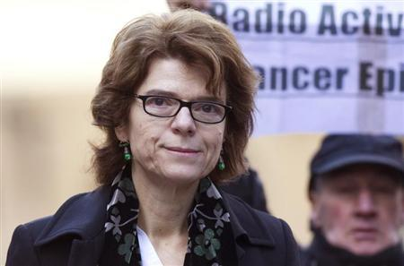 Vicky Pryce, the ex-wife of Britain's former energy secretary Chris Huhne, arrives at Southwark Crown Court in London February 5, 2013. REUTERS/Stringer