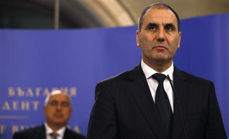 Bulgaria's Interior Minister Tsvetan Tsvetanov (R) speaks during a news conference next to Prime Minister Boiko Borisov in Sofia February 5, 2013. REUTERS/Stoyan Nenov