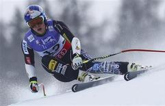 Lindsey Vonn of the U.S. skis during the women's Super G race at the World Alpine Skiing Championships in Schladming February 5, 2013. REUTERS/Dominic Ebenbichler