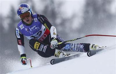 Alpine skiing: Vonn hurt, Maze crowned in opening race