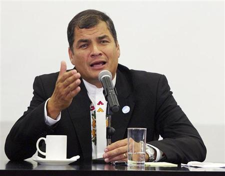 Ecuador's President Rafael Correa addresses the media during a bilateral summit in Cuenca November 23, 2012. REUTERS/Erick Ilaquize