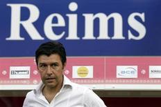 Hubert Fournier, l'entraîneur de Reims. Quatre mois après sa dernière victoire en Ligue 1, le Stade de Reims, 18e du championnat, se prépare à affronter Nancy, 19e, samedi en Lorraine. /Photo d'archives/REUTERS/Pascal Rossignol