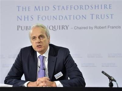 Inquiry chairman, Robert Francis, presents the publication of his inquiry into the failings at mid-Staffordshire NHS Trust, in London February 6, 2013. REUTERS/Toby Melville