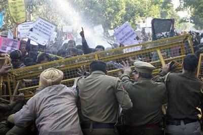 Violent clashes as India's Modi makes speech to Delhi...