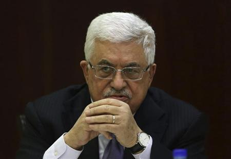 Palestinian President Mahmoud Abbas attends a Palestinian Liberation Organization (PLO) executive committee meeting in the West Bank city of Ramallah January 29, 2013. REUTERS/Mohamad Torokman