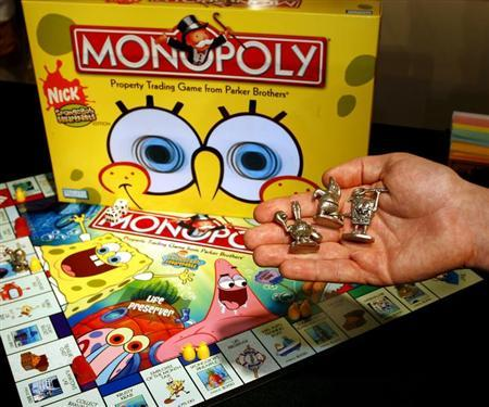 A new version of Hasbro's Monopoly game in Monopoly SpongeBob Squarepants Edition, pictured in Hasbro's showroom at the American International Toy Fair in New York on February 9, 2006. REUTERS/HASBRO/Ray Stubblebine/Handout/Files