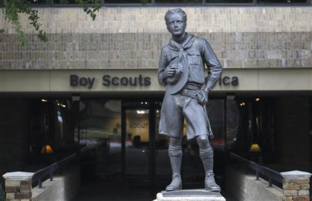 The statue of a scout stands in the entrance to Boy Scouts of America headquarters in Irving, Texas, February 5, 2013. Boy Scouts of America board members are holding a three-day meeting in which they will consider ending a controversial national ban on gay membership, sparking a flurry of lobbying from groups both for and against the change. REUTERS/Tim Sharp