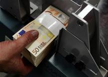 Bce conferma tassi, costo denaro stabile allo 0,75%. REUTERS/Yves Herman