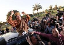 Una immagine di archivio di Muammar Gheddafi REUTERS/Louafi Larbi
