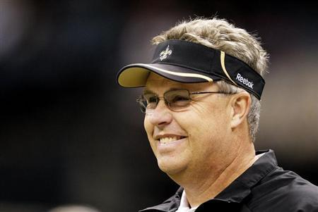New Orleans Saints Defensive Coordinator Gregg Williams watches his team prepare for their NFL football game against Tampa Bay Buccaneers in New Orleans, Louisiana January 2, 2011. REUTERS/Sean Gardner