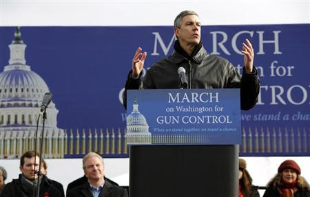 Secretary of Education Arne Duncan addresses the March on Washington for Gun Control on the National Mall in Washington, January 26, 2013. REUTERS/Jonathan Ernst
