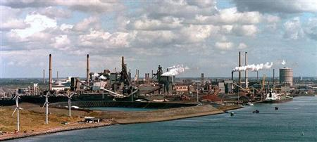 The Tata Steel factory in Ijmuiden is seen in this September 1, 2003 file photo.REUTERS/United Photos/Files
