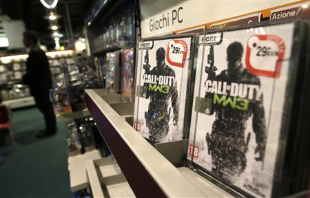 Copies of Call of Duty Modern Warfare 3 video game published by Activision Blizzard, owned by Vivendi, are displayed in a shop in Rome, in this October 16, 2012 file photo. REUTERS/Tony Gentile/Files
