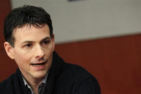 David Einhorn, president of Greenlight Capital, speaks at the Reuters Investment Outlook Summit in New York December 7, 2010. REUTERS/Brendan McDermid/Files