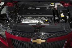 La Chevrolet Cruze Clean Turbo Diesel, version diesel de la compacte Chevrolet Cruze. Cette nouvelle voiture représente la première incursion de General Motors depuis 1986 sur ce segment du marché solidement tenu par les constructeurs allemands. /Photo prise le 7 février 2013/REUTERS/John Gress