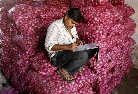 Onion prices stir up trouble ahead of state elections