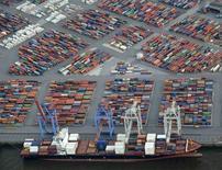 L'Allemagne a enregistré en 2012 son deuxième meilleur excédent commercial en plus de 60 ans, à 188,1 milliards d'euros, preuve de la vigueur économique intrinsèque de la première économie européenne. /Photo prise le 23 septembre 2013/REUTERS/Fabian Bimmer