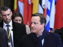 Le Premier ministre britannique David Cameron à Bruxelles. Les dirigeants de l'Union européenne ont conclu vendredi un accord sur le budget communautaire pour la période 2014-2020. /Photo prise le 8 février 2013/REUTERS/Yves Herman