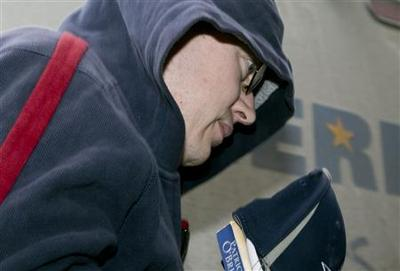 Canadian officer who spied for Russia jailed for 20...