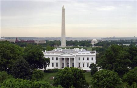 The White House is seen with the Washington Monument (L) behind it and the Jefferson Memorial (R) in Washington, May 1, 2011. REUTERS/Gary Hershorn