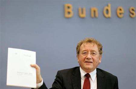 Dieter Engels Chief of German Federal Court of Auditors presents the annual report of the court during a news conference in Berlin December 9, 2008. REUTERS/Johannes Eisele