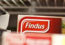 Auchan, Casino, Carrefour, Cora, Monoprix et Picard ont retiré des produits Findus et Comigel de la vente, après la découverte en Europe de viande de cheval dans des plats au boeuf. /Photo prise le 8 février 2013/REUTERS/Suzanne Plunkett