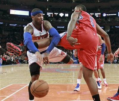 Clippers beat Knicks in clash of division leaders