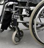 Grenoble est la ville de France la plus accessible aux personnes handicapées, selon le baromètre de l'Association des Paralysés de France (APF) publié lundi. Elle devance Nantes pour la première fois en trois ans. /Photo d'archives/REUTERS
