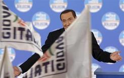 L'ex premier Silvio Berlusconi durante una manifestazione elettorale a Roma, la settimana scorsa. REUTERS/Max Rossi