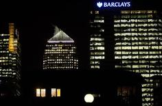 The Barclays headquarters building is seen in the Canary Wharf business district of east London February 6, 2013. When Barclays' new boss Antony Jenkins wanted to tell his senior bankers what was in store for them, he gathered all 125 around him on specially built tiered seats, styled like an ancient Greek agora to guarantee eye contact and conversation. Photograph taken February 6, 2013. REUTERS/Neil Hall (BRITAIN - Tags: BUSINESS)