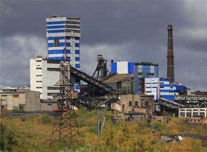 A general view of the Vorkutinskaya mine in Russia's northern Komi region is seen in this August 29, 2011 file photo. REUTERS/Eduard Korniyenko/Files