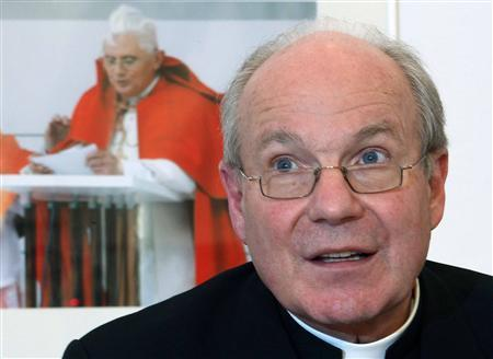 Austrian Cardinal Christoph Schoenborn addresses a news conference in Vienna February 11, 2013. REUTERS/Heinz-Peter Bader