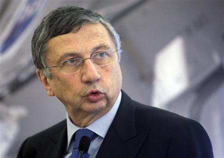 Finmeccanica Chairman and Chief Executive Officer Giuseppe Orsi attends a convention in Rome December 18, 2012. REUTERS/Remo Casilli