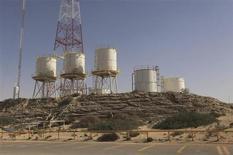 Vista geral do terminal de petróleo de Zueitina, na Líbia. A demanda mundial de petróleo vai crescer mais rápido do que o estimado inicialmente em 2013, disse nesta terça-feira a Organização dos Países Exportadores de Petróleo (Opep), citando sinais de recuperação da economia mundial. 15/01/2013 REUTERS/Esam Al-Fetori