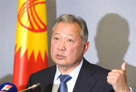 Ousted Kyrgyz President Kurmanbek Bakiyev gestures during a news conference in Minsk June 23, 2010. REUTERS/Vladimir Nikolsky