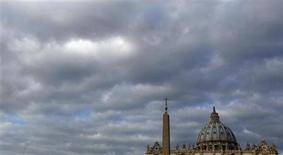Partidarios de una reforma liberal en la Iglesia católica esperan que el sucesor de Benedicto XVI dé una mayor voz a las mujeres y reconsidere las normas sobre el celibato, el acceso de las mujeres al sacerdocio y permita las parejas del mismo sexo. En la imagen, la basílica de San Pedro en una imagen del 12 de febrero de 2013. REUTERS/ Stefano Rellandini