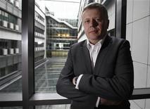 Maciej Witucki, directeur général de TPSA. Le numéro un des télécoms en Pologne, s'attend à un recul sensible de son chiffre d'affaires en 2013 en raison du ralentissement économique du pays et d'une concurrence accrue. /Photo prise le 12 février 2013/REUTERS/Peter Andrews