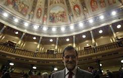 El Congreso de los Diputados español aprobó el martes una iniciativa legislativa popular que pide la declaración del toreo como bien de interés cultural, una decisión que podría suponer el regreso de los toros a Cataluña, donde el gobierno regional los prohibió en 2011. En esta imagen de archivo, el presidente del Gobierno, Mariano Rajoy, en el parlamento antes de una sesión de control, el 30 de enero de 2013. REUTER/Sergio Pérez