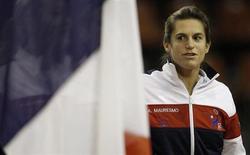 L'équipe de France de Fed Cup, menée par l'ex-numéro un mondiale Amélie Mauresmo, recevra le Kazakhstan en avril lors des matches de barrage du deuxième groupe mondial de l'épreuve féminine par équipe. /Photo prise le 10 février 2013/REUTERS/Régis Duvignau