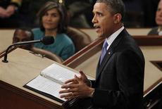 Presidente norte-americano, Barack Obama, discursa no Capitólio, em Washington. Obama pediu na terça-feira uma reforma do código tributário do país, objetivo compartilhado por seus rivais republicanos, mas a tentativa de mexer nos benefícios fiscais concedidos a norte-americanos mais ricos e a empresas enfrenta dificuldades conhecidas no Congresso. 12/02/2013 REUTERS/Jason Reed