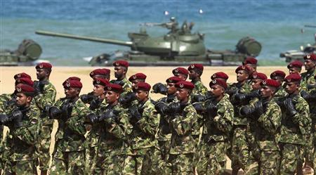 Sri Lankan commandos march during a rehearsal ahead of the War Victory parade in Colombo May 17, 2012. REUTERS/Dinuka Liyanawatte
