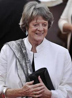 Actress Maggie Smith arrives for the world premiere of ''Harry Potter and the Deathly Hallows - Part 2'' in Trafalgar Square, in central London, July 7, 2011. REUTERS/Dylan Martinez