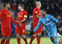 O brasileiro Hulk comemora após marcar gol pelo Zenit contra o Liverpool pela Liga Europa nesta quinta-feira. REUTERS/Alexander Demianchuk