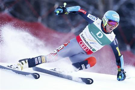 Ted Ligety of the U.S. skis during the first run of the men's Giant Slalom race at the World Alpine Skiing Championships in Schladming February 15, 2013. REUTERS/Ruben Sprich