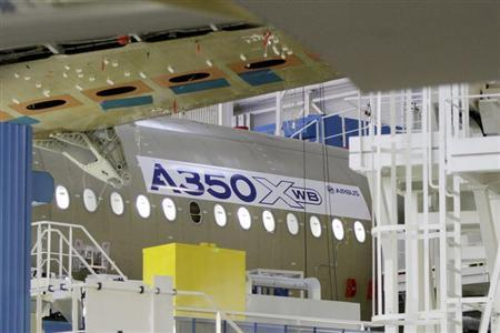 The main body section of the first Airbus A350 is seen on the final assembly line in Toulouse, southwestern France, October 23, 2012. REUTERS/Jean-Philippe Arles