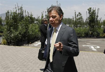 Colombia's President Juan Manuel Santos is seen at the summit of the Community of Latin American and Caribbean States (CELAC) in Santiago, January 28, 2013. REUTERS/Eliseo Fernandez