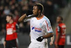 Jordan Ayew manquera le déplacement de l'Olympique de Marseille à Paris le week-end prochain après avoir été suspendu deux matches par la commission de la Ligue de football professionnel vendredi. /Photo prise le 26 janvier 2013/REUTERS/Stéphane Mahé